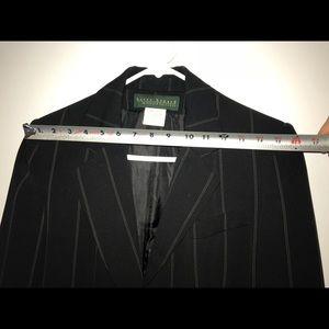 Women's suit size 6 harvé benard